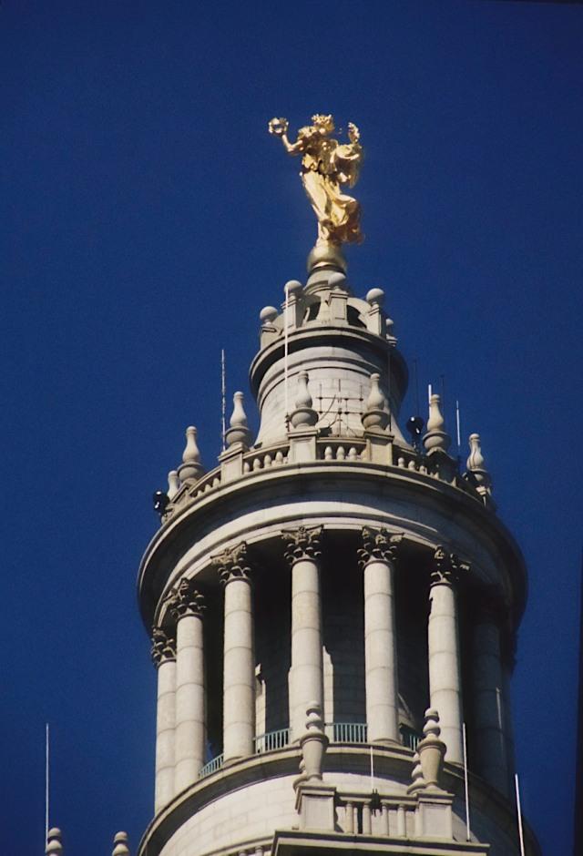80.116     3-27-95   Very top of City Hall from Brooklyn Bridge